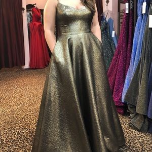 Gold/black Prom Dress